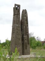 a-close-conversation-with-W-van-Blokland-clay-350x60x60-cm-2011